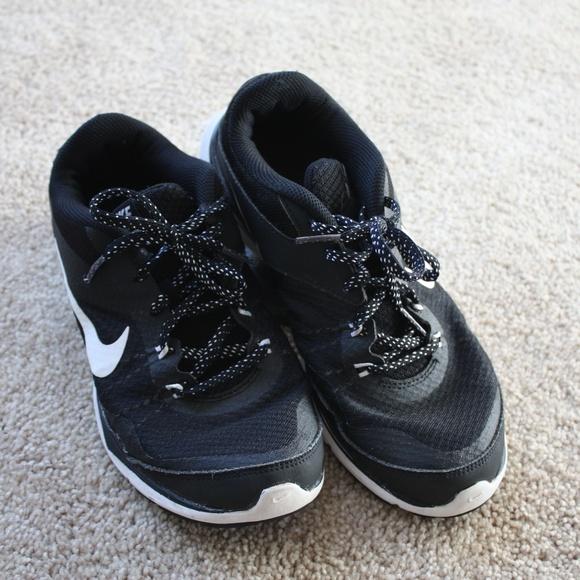 d3d3151210b1 Nike Shoes - Nike Training Flex TR5 Women s 7 Black White